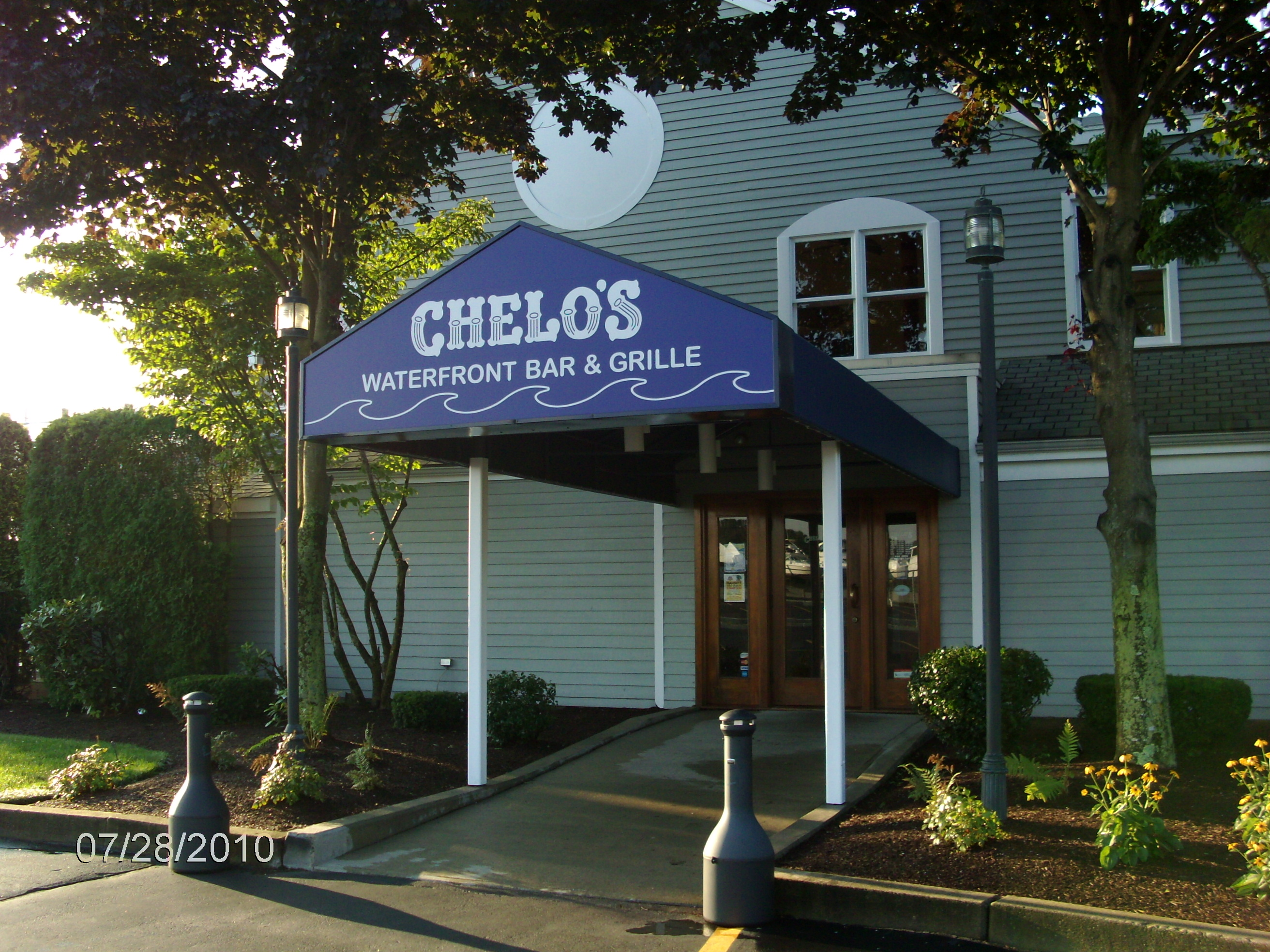 chelos awning sign